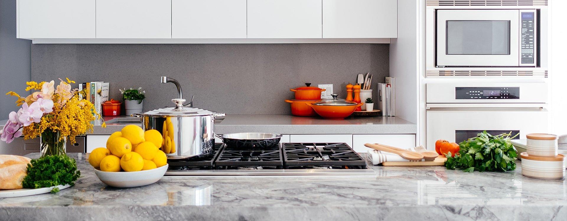 Akcesoria do kuchni, czyli jak odpowiednio wyposażyć kuchnię?