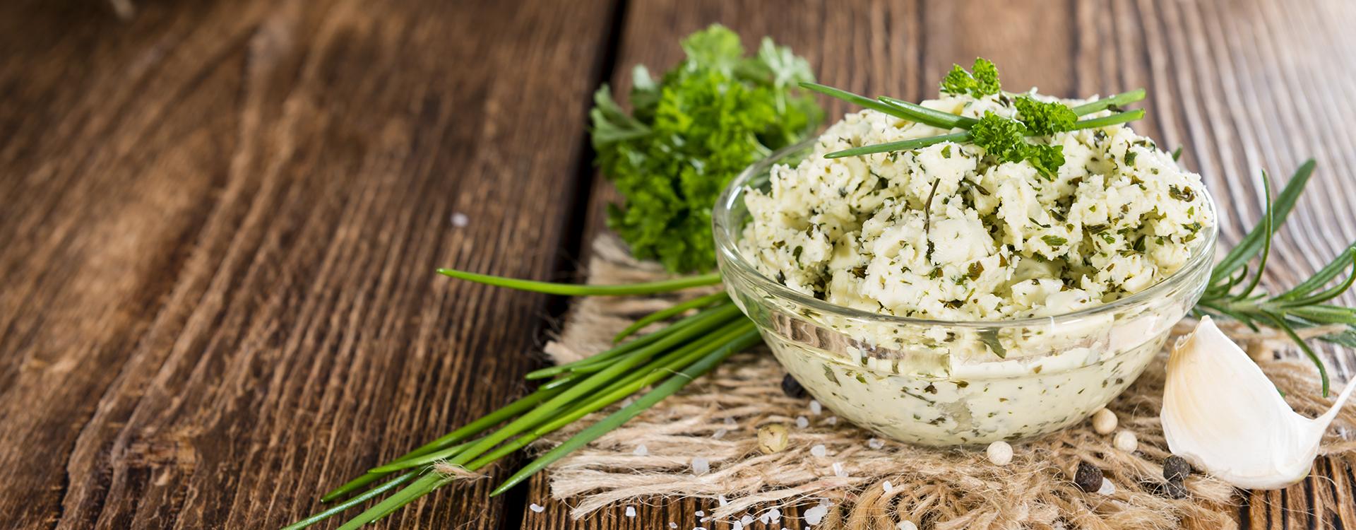 Sos serowy z ziołami - przepis