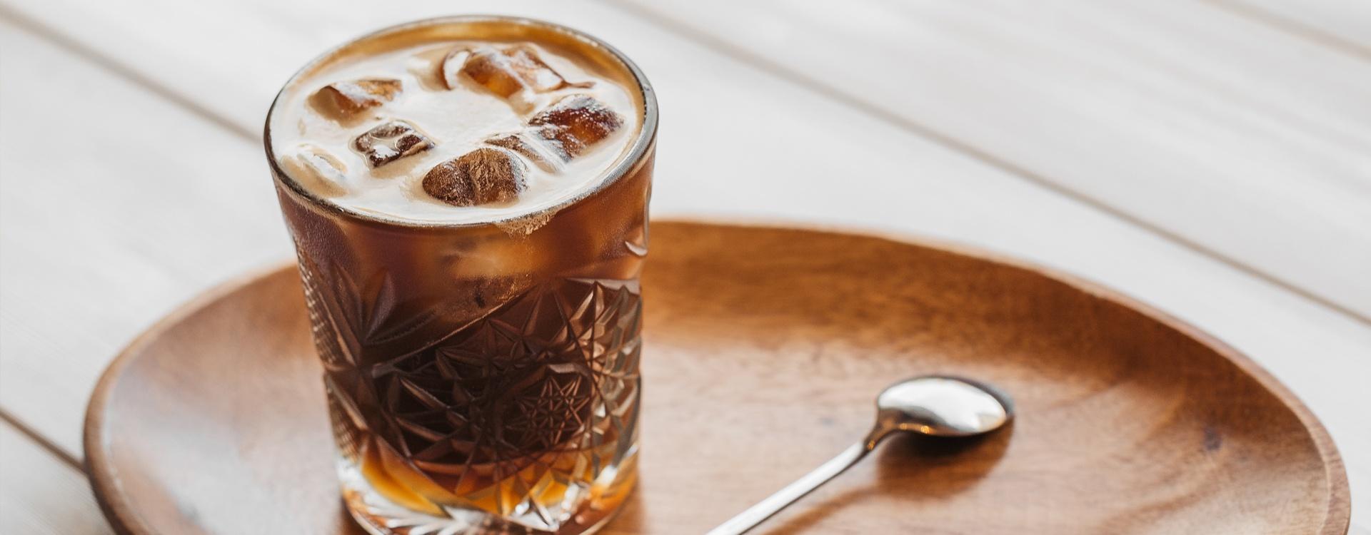 Tonic espresso - przepis na idealną kawę na gorące dni