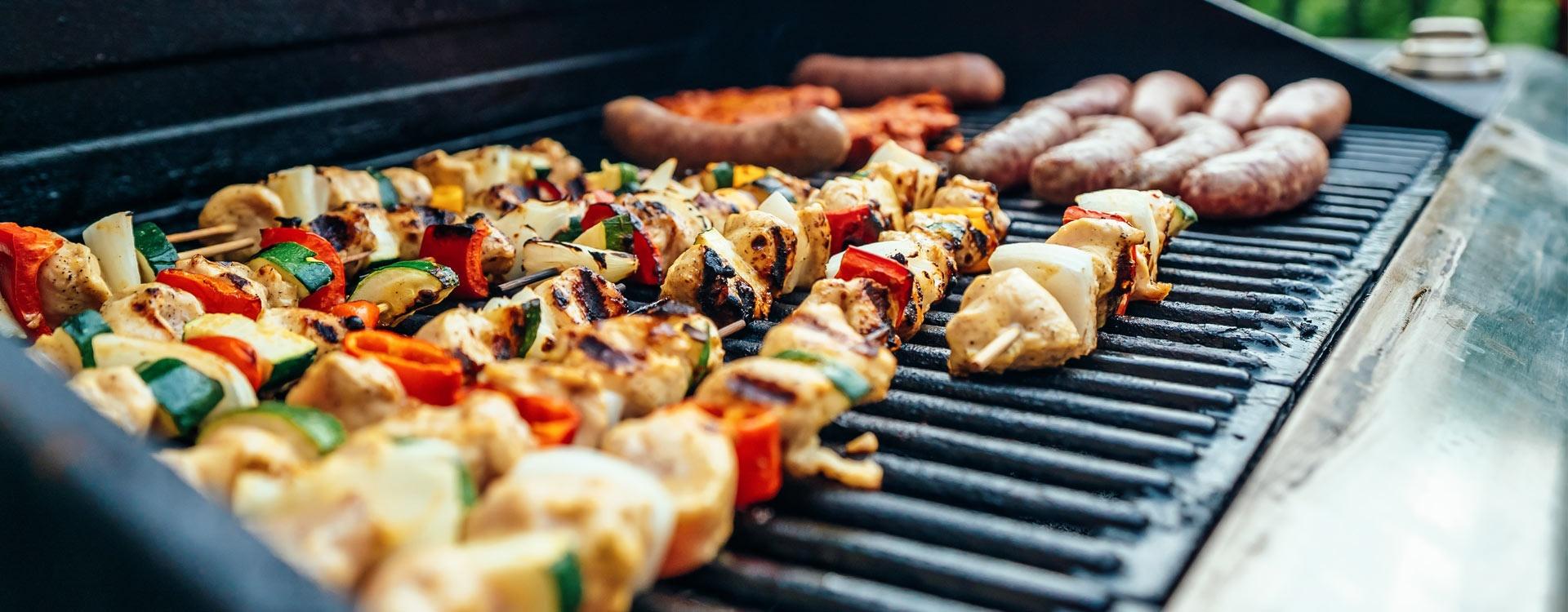 Sezon na grilla czas zacząć! Co musisz mieć w kuchni?