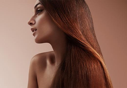 Domowe sposoby na zdrowe włosy – poznaj te najskuteczniejsze!