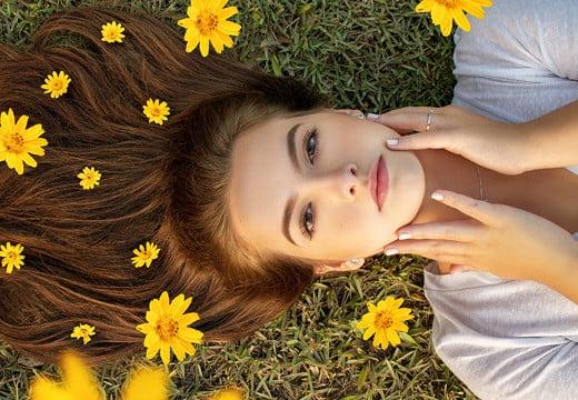 Jak dbać o włosy wiosną i latem?