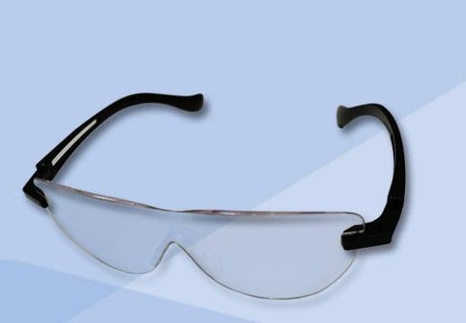 Okulary powiększające, czyli wolne ręce przy pracy