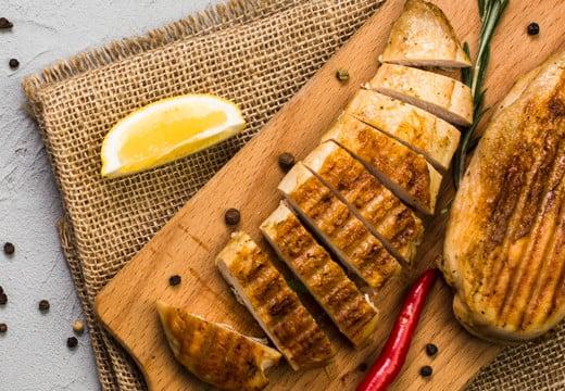 Przepis na grillowane piersi z kurczaka z cytryną i tymiankiem