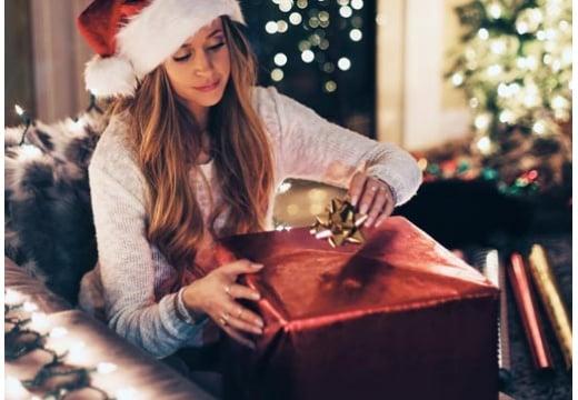 Święta się zbliżają a Ty dalej nie wiesz co kupić ukochanej. Sześć propozycji TV Okazje