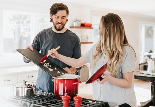 Dlaczego warto zainwestować w gadżety do kuchni?