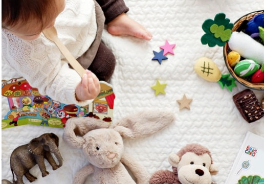 Sprawdź, jak dobrać prezent do wieku dziecka!