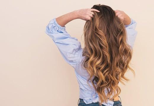 Twoim problemem jest łysienie? Sprawdź, co jest dobre na wypadanie włosów!